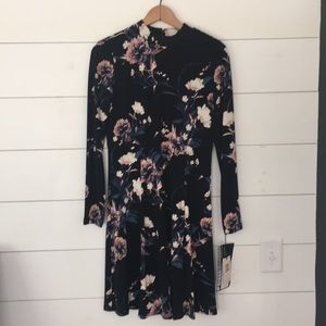 NWT Ivanka Trump mock neck stretchy floral dress